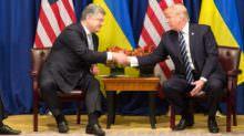Петро Порошенко та Дональд Трамп під час зустрічі 21 вересня 2017 року