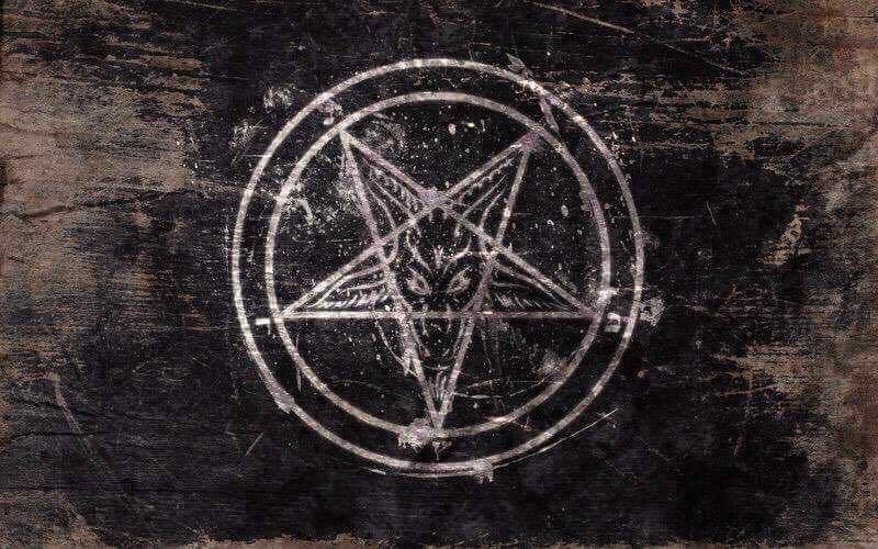 Опубліковані моторошні фото з місця ритуального вбивства іноземця під Одесою