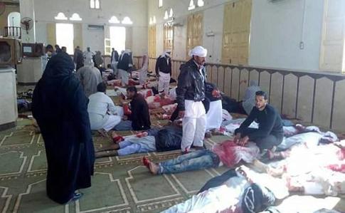 Єгипет: умечеті стався вибух і стрілянина