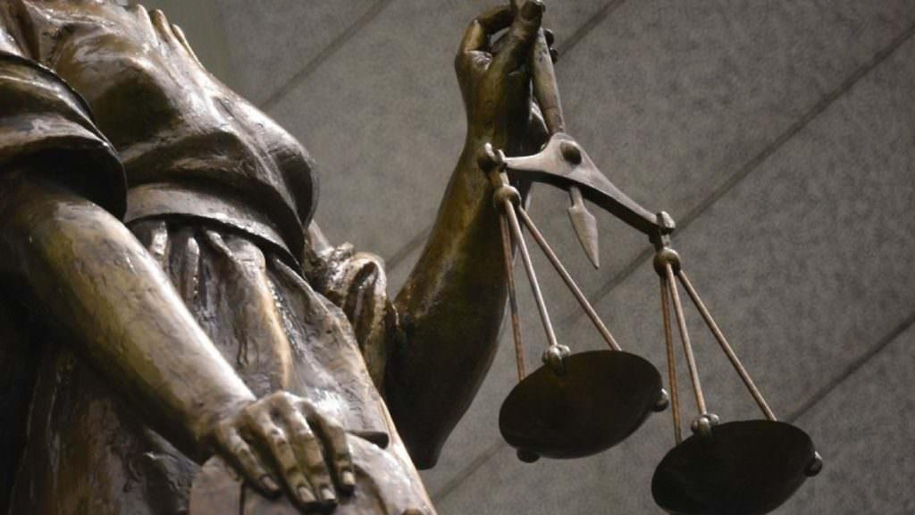 Цілодобова охорона, міжнародні експерти— щоподав Порошенко про антикорупційний суд