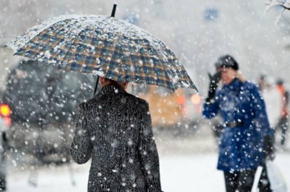 Унайближчі дні вЖитомирській області прогнозують мокрий сніг таожеледицю
