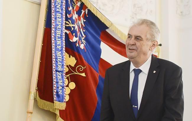 Земан лідирує навиборах президента Чехії