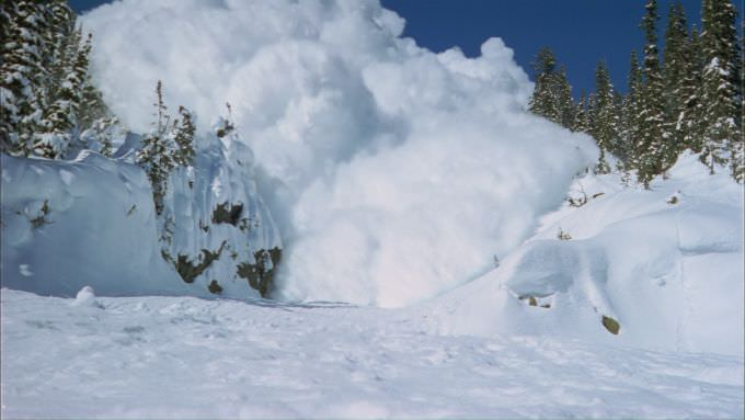 Вчора ввечері в Карпатах зійшли дві лавини