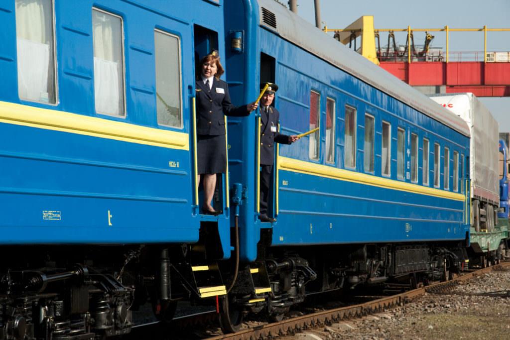 До Трійці поїзди Костянтинівка – Одеса та Харків-Костянтинівка вирушать у додаткові рейси
