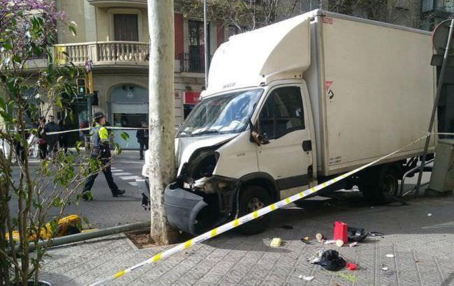 УБарселоні налюдей наїхала вантажівка, вякої відмовили гальма