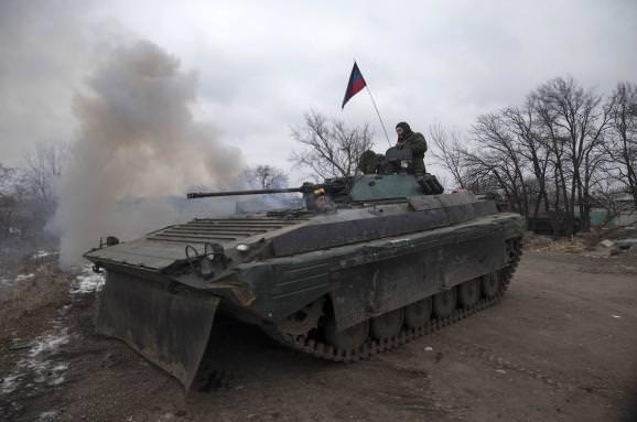"""Бойовики продовжують зривати """"великоднє перемир'я"""" - штаб АТО"""