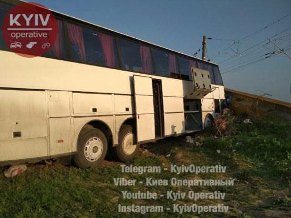 Автобус зукраїнцями розбився в Європі: моторошні кадри