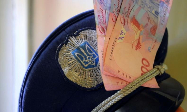 У Львові керівник Нацполіції попався на хабарі від поліцейського ...