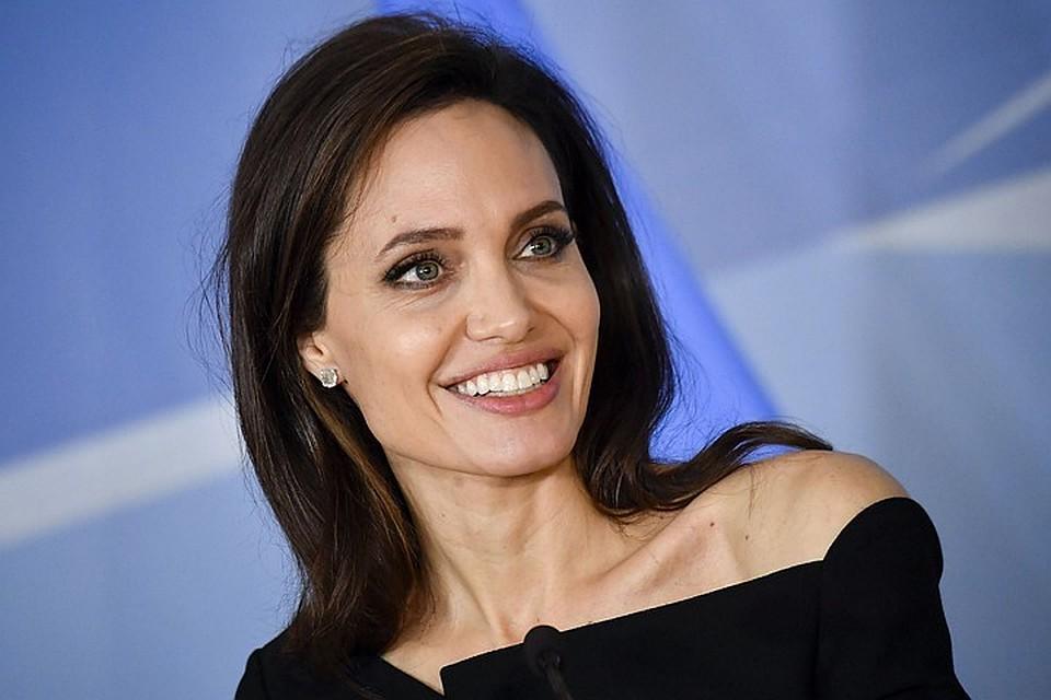 Анджеліна Джолі потрапила в лікарню