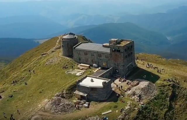 Під час сходження на гору Піп Іван, травмувався турист із Львівщини
