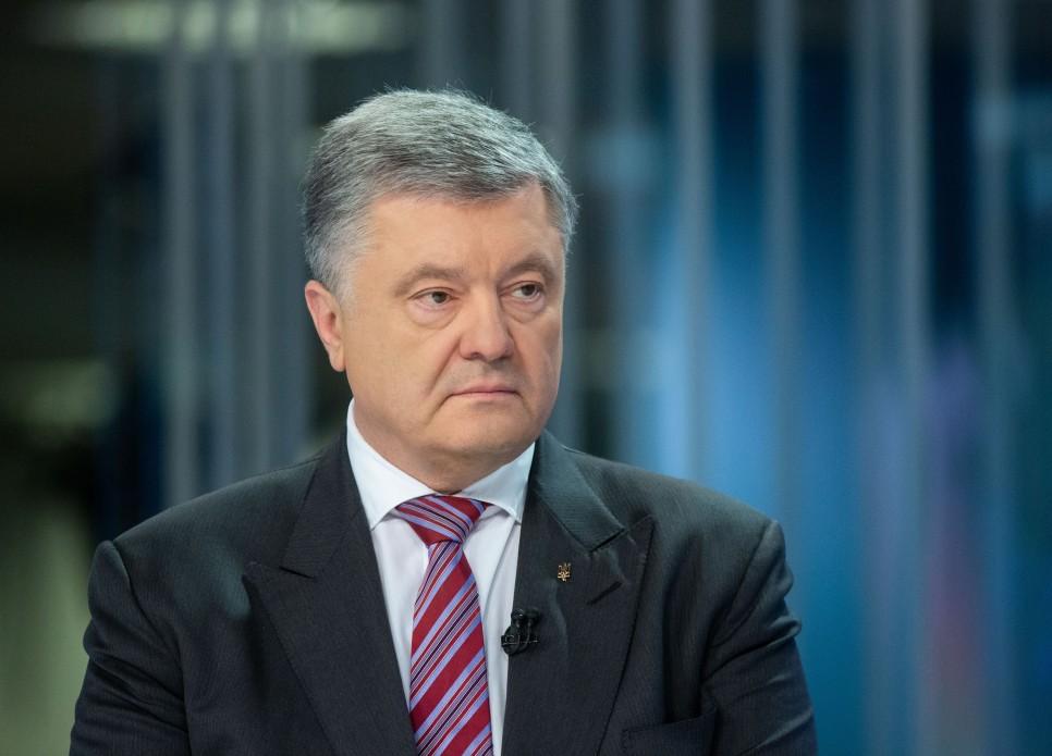 """Відомі українські письменники проголосили про свою підтримку """"Європейської солідарності"""" та особисто Петра Порошенка"""