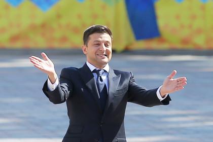 Слідом за Януковичем: Зеленський у Парижі заявив, що красиві жінки є брендом України (відео)