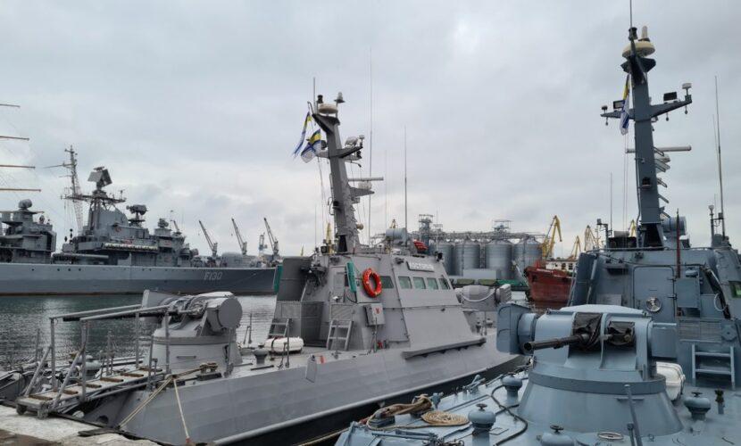 ВМСУ пригрозили застосувати зброю: катери ФСБ РФ вчинили нову провокацію в Азовському морі