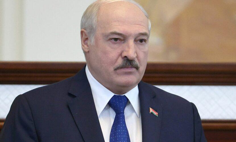 Лукашенко особисто бив затриманого Протасевича та зламав йому ніс – BYPOL