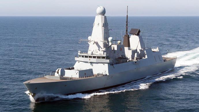 Ніхто не завадить флоту Британії проходити біля берегів Криму: заява міністра оборони країни